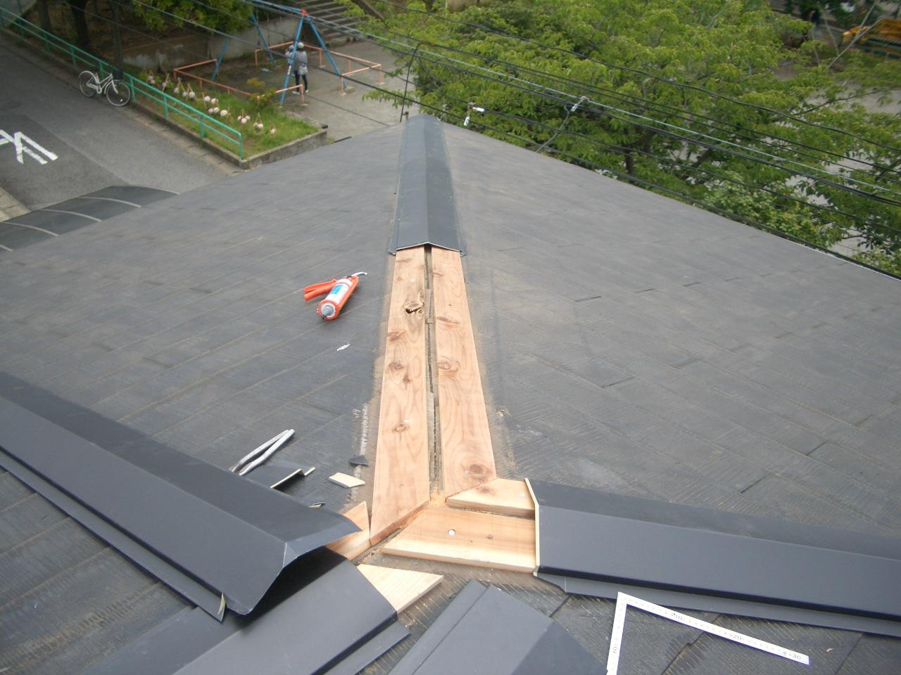 芯木設置と新しい棟板金