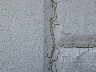 中央区月島にて築10年の建物を点検、屋根と外壁の塗装工事をご提案