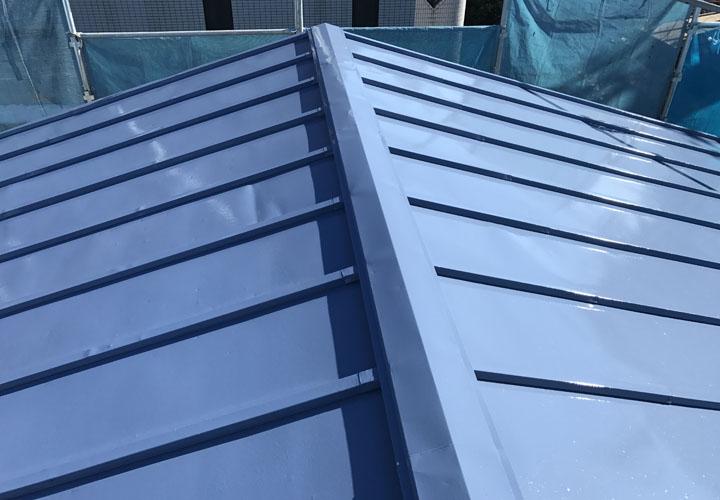 サーモアイSi(クールベネチアブルー)での屋根塗装が完了
