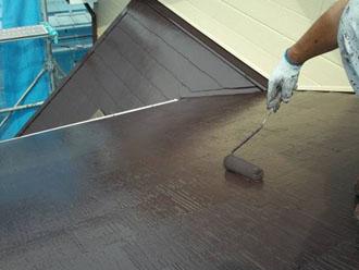ヤネフレッシュSiで屋根の上塗り