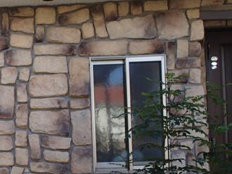 玄関周り石調