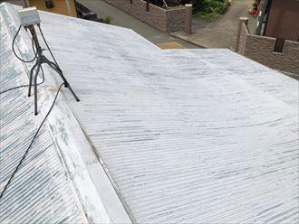 トタン屋根の色あせ