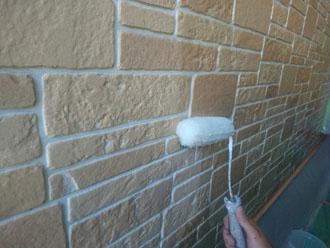 UVプロテクトクリヤーでサイディング外壁を塗装