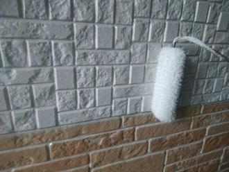 UVプロテクトクリヤーでサイディング外壁を塗装する際には2度塗りが鉄則です