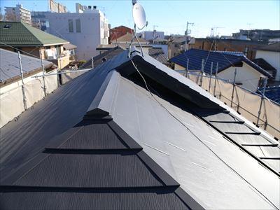 施工後写真正面から外壁と屋根の出来栄え