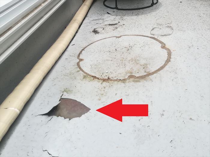 FRP防水表面の剥がれ