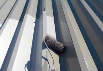 凸凹の多い折板屋根