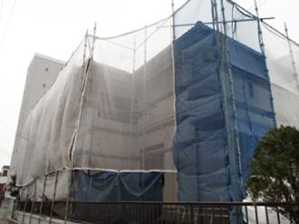 セメント瓦屋根への屋根塗装足場