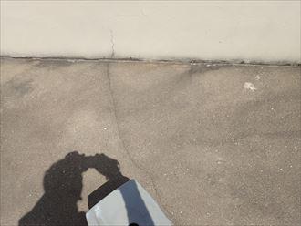 床面のひび割れ