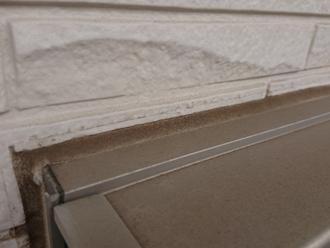 窓枠サッシのコーキング劣化