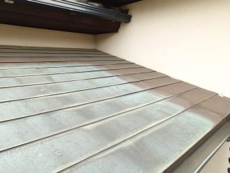 銅板の下屋