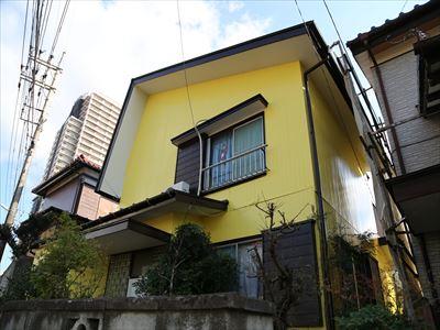 松戸市の木製サイディング塗装と瓦棒屋根塗装、瓦棒屋根は嵌合式屋根の色と合わせました