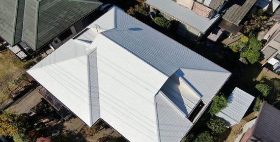 木更津市大久保で、日本ペイントのパーフェクトシリーズ(屋根ホワイト、外壁ND-110)を使用して屋根・外壁塗装工事を実施