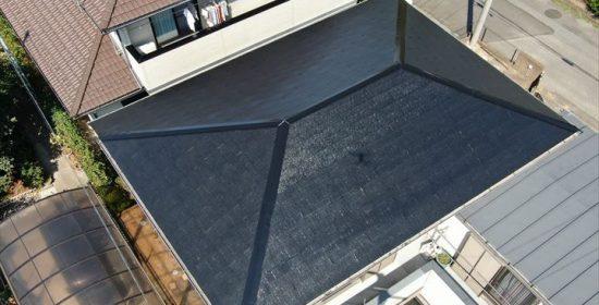 木更津市清見台南で関東大型台風によって被害を受けた屋根を補修し、パーフェクトベスト(ブラック)で塗装工事を行いました