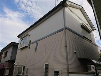 横浜市港北区綱島西にてパーフェクトトップ(ND-012・103)を用いた外壁塗装でモノトーンなツートンカラー邸宅に!