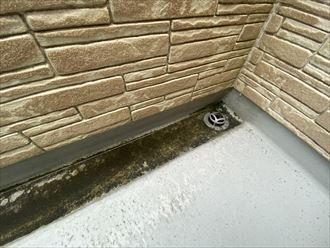 市原市潤井戸でバルコニーからの雨漏り原因調査