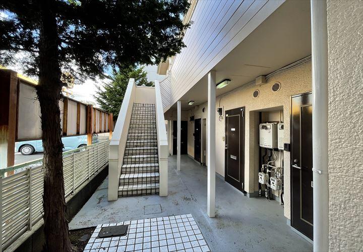 アパート外階段