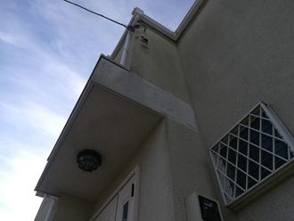 築10年になりモルタル外壁の汚れが目立ち始めていました