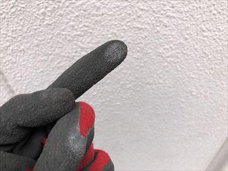 足立区綾瀬にて築15年が経過したので外壁塗装を検討されている建物の外壁を調査