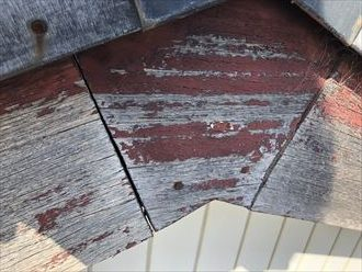 柏市西原にて、築35年経過しているお建物の調査を行うと各所に劣化の症状が確認出来ました