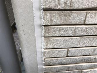 足立区中川にて劣化してしまった外壁シーリングの打ち替え工事を行ないました