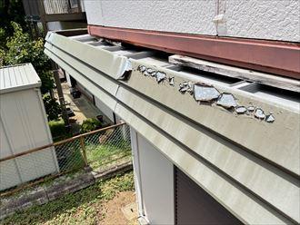 我孫子市布佐にて雨樋カバーの塗膜の剥がれ、ベランダ木材の劣化が見られるお建物の調査