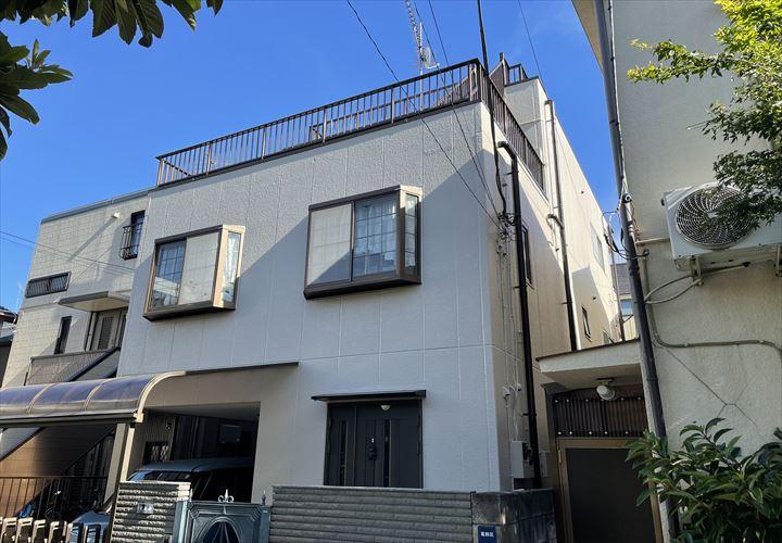 葛飾区鎌倉にて遮熱塗料(高日射反射率塗料)が対象となる助成金を使用した外壁塗装工事を行ないました 使用材料は水性サーモアイウォールSI(ND-210)