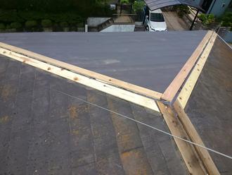 古い屋根材撤去