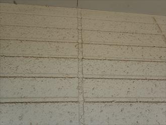 木更津市朝日に、2回目の外壁塗装調査コーキングにひび割れ発生
