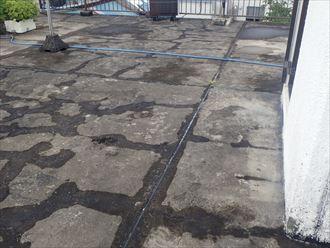 市原市姉崎の雨漏り調査、コンクリート防水の亀裂や目地コーキングの劣化が雨漏りの原因
