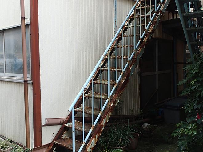 大田区東蒲田で外装塗装のお見積り、金属外壁や鉄製階段は塗装だけで大丈夫?