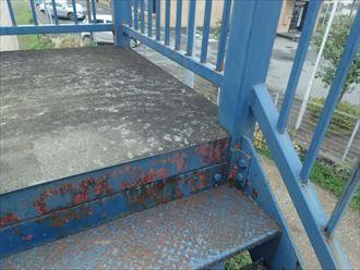 四街道市みのり町のアパート鉄骨階段調査、安全性向上の為の塗装工事をご提案
