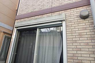 窓周りのコーキングが傷めば窓からの雨漏りに繋がる