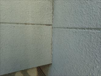 千葉市若葉区小倉台 目地のひび割れ
