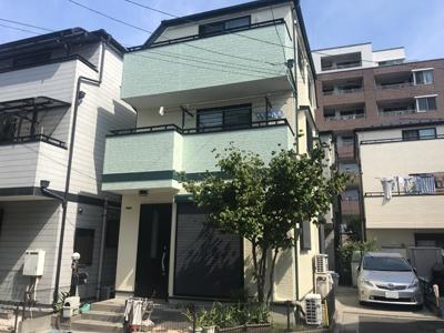 外周り全部を塗り替えられた3階建てのお家