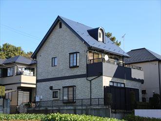 松戸市で塗装に代わる新提案、モルタル外壁をガルバリウムの煉瓦柄サイディングで外壁カバー工事、とんがり屋根はIG工業ガルテクトシェイドブルーで葺き替え、イメージチェンジと高機能を同時にGET!