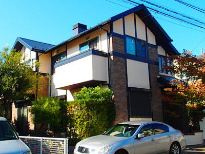 軒天を黒のつや消しで立体感あるお住まいに!屋根は遮熱塗料|横浜市青葉区
