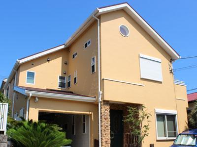 厚木市|ジョリパッド仕上げの外壁をナノコンポジットWで塗装、屋根塗装はアレスクール