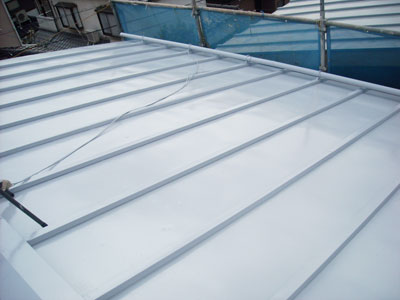 屋根Mシリコンで金属屋根塗装|横浜市旭区