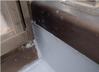 トップコートが塗布されたベランダの防水層