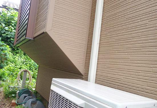 ガルバリウム鋼板は住宅の複雑な形状に柔軟に対応することができる