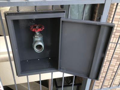 連結送水管ボックスの塗装後