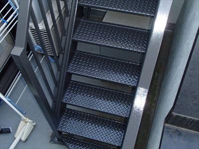 鉄部階段塗装完了