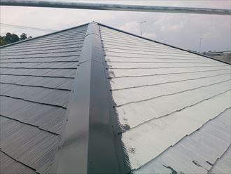 富里市屋根外壁塗装、塗装中上塗り002