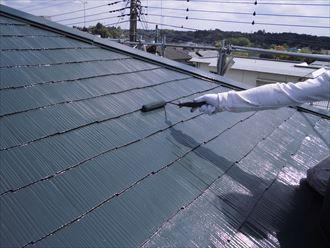 富里市屋根外壁塗装、塗装中上塗り005