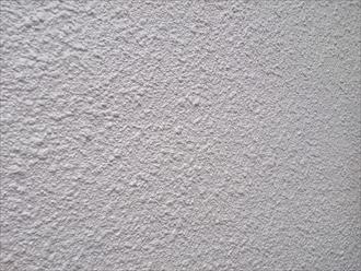 横浜市戸塚区で外壁をパーフェクトトップで塗装中です