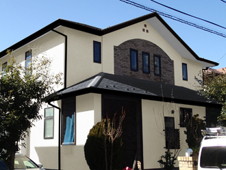 印西市 屋根はサーモアイSi、外壁はシリコンセラUVで塗装!完工致しました!