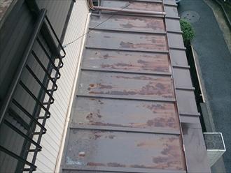 磯子区、錆だらけの屋根
