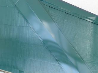 新品の棟板金も塗り替え