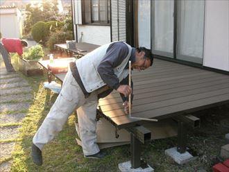 館山市で省メンテナンスで素敵なウッドデッキが完成です